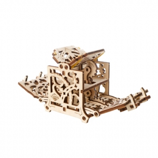 UGEARS:  DICE KEEPER